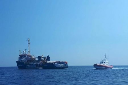 SeaWatch e Open Arms a Taranto e Messina