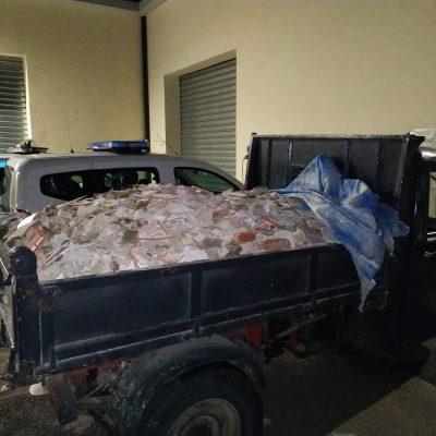 Getta rifiuti nel torrente Bisconte. Denunciato dalla Polizia Municipale. Non era la prima volta.