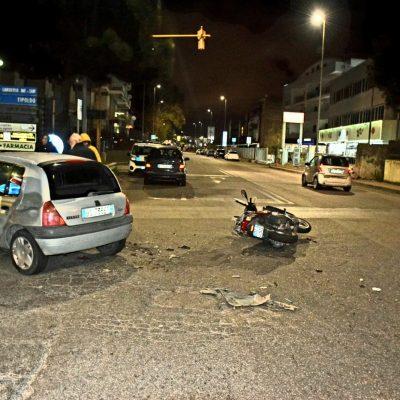 Tremestieri: scontro auto contro scooter. Due feriti