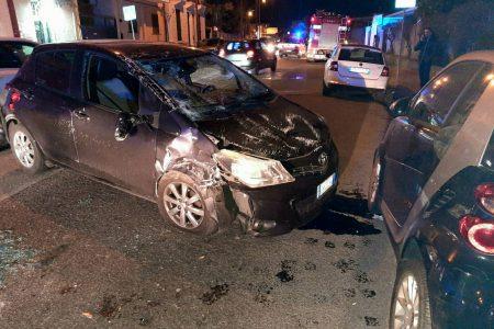 Messina: auto si ribalta in via Consolare Pompea. Ferita in modo non grave la conducente