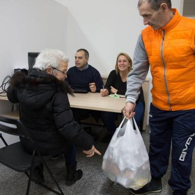 """Fontalba dona acqua a oltre 3mila persone:  al via un """"porta a porta"""" per l'emergenza"""