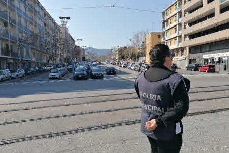 Blocco trasporti : viale Giostra bloccato dalle auto in coda