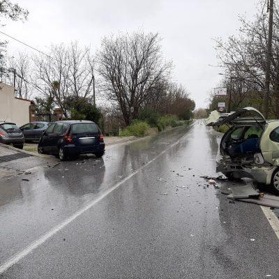 Incidente ad Ortoliuzzo: autonomo ma colpisce tre auto in sosta