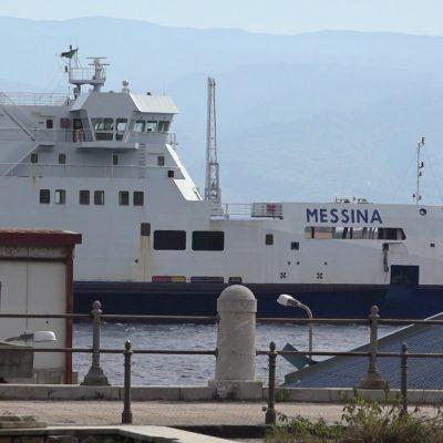 Nave Messina: il comandante della Nave Messina chiede tampone urgente per un marinaio e 31 dipendenti RFI