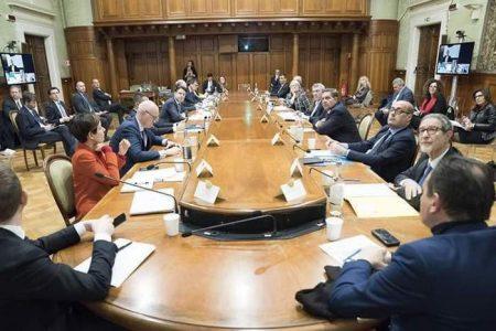 In isolamento volontario il presidente Nello Musumeci. A contatto con Zingaretti positivo al coronavirus