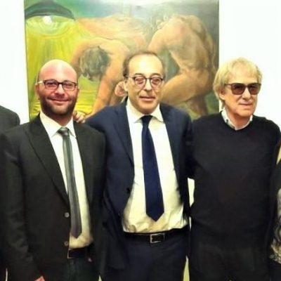 Covid 19 e solidarietà: L'artista Lorenzo Chinnici e il figlio Francesco hanno donato 5000 mascherine al Comune di Messina.