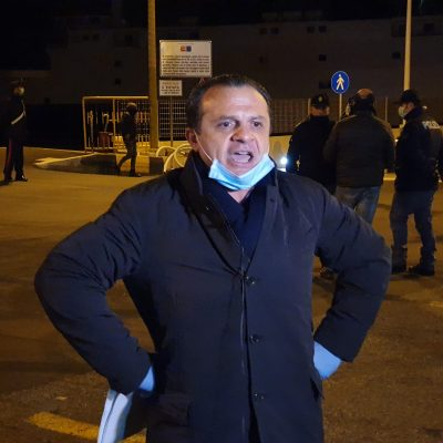 """CIG in deroga, Sindaco De Luca (Messina): """"Non basta offrire la testa del dirigente, i lavoratori chiedono i soldi""""."""