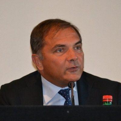 """La Procura di Messina apre inchiesta sul caso del """"funerale"""" con 39 persone."""