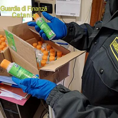 Covid-19: Gdf sequestra 1.500 flaconi gel