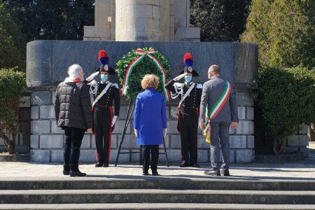 25 aprile – Il Prefetto di Messina onora i Caduti in piazza Unione Europea
