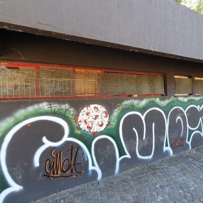Riaprono le ville comunali: Villa Dante ed il vandalismo anche durante il coronavirus