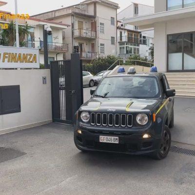 """Operazione """"Affari Sporchi"""": la Guardia di Finanza sgomina associazione a delinquere tra Messina, Brolo e Palermo. Sei misure cautelari"""