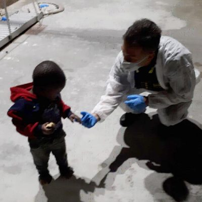 Lampedusa: sbarcano 136 migranti. Sono sul molo, hotspot pieno