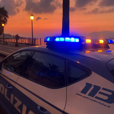 Agli arresti domiciliari lancia sfida alcolica sui social. La Polizia di Stato esegue misura di aggravamento in carcere.