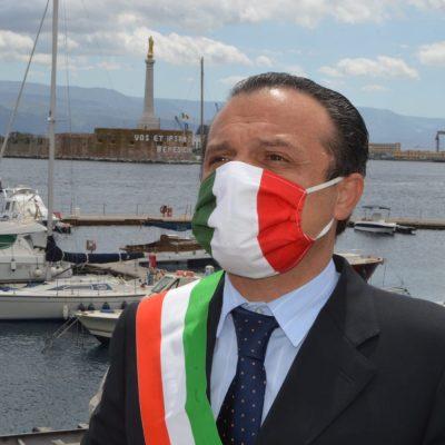 """Fase 2, Sindaco De Luca al Premier Conte : """"evidenti contrasti tra il suo DPCM e l'ordinanza di Musumeci. Pretendo chiarimenti sulle aperture che posso autorizzare"""""""