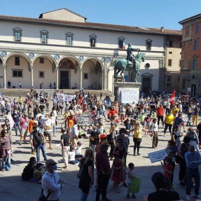 Migliaia in piazza in tutta Italia per chiedere la  ripresa regolare della scuola a settembre