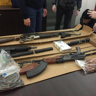 Armi: la Squadra Mobile ritrova kalashnikov nell'agrigentino