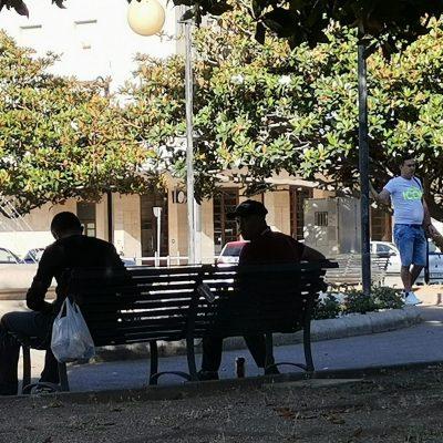 Piazza Stazione: continua il consumo di alcol sulle panchine