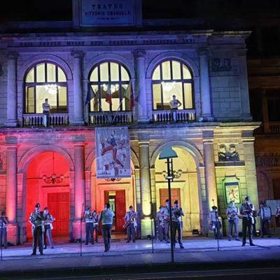 """VIDEO – """"Festa della Musica"""": in piazza la Brigata """"AOSTA"""" e la Fanfara del 6° Reggimento Bersaglieri"""