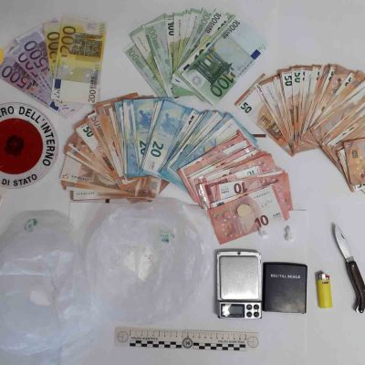 La Polizia arresta sessantunenne spacciatore di stupefacenti