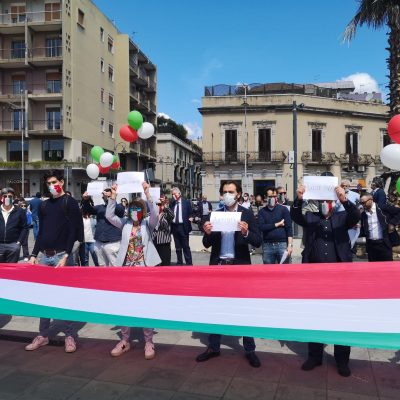 """Il 2 giugno dei Fratelli d'Italia: Amata """"La mascherina non è un bavaglio!"""""""