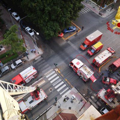 VIDEO – Palermo: incendio in abitazione. Una donna perde la vita.