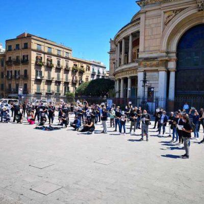 Fase 2: a Palermo fotografi in piazza, siamo abbandonati