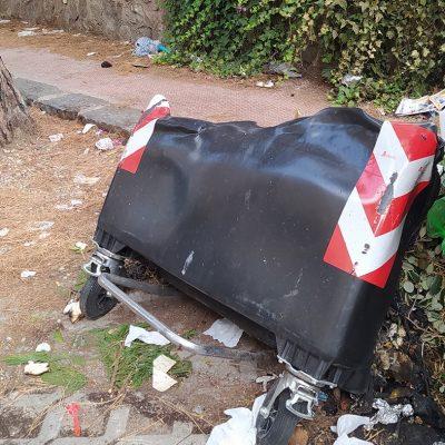 Atti vandalici sul Viale Regina Elena: dati alle fiamme tre cassonetti rsu