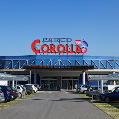 """Milazzo – i Carabinieri denunciano due ragazzi per furto al centro commerciale """"Parco Corolla""""."""