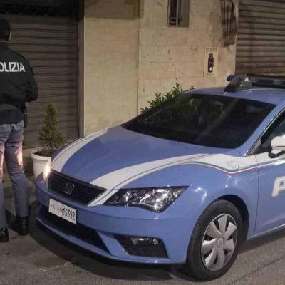 Sequestro di 6.000 euro a 17 posteggiatori abusivi, un arresto