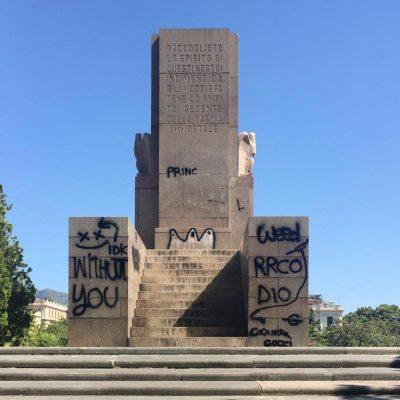 """Imbrattamento monumento: il Garante per l'infanzia """"grido di aiuto"""""""