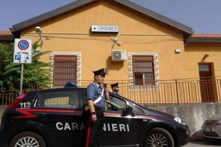 Giostra – Tenta di strangolare la moglie. Arrestato 44enne