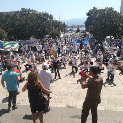 Flash mob per il Recovery fund a Messina. Per la prima volta il Sud invoca Ponte e infrastrutture