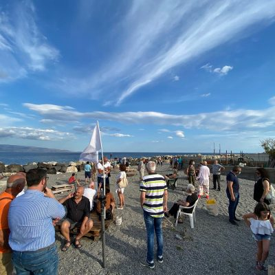 """Domenica 5 luglio si è tenuta la manifestazione """"Onda Ribelle"""" del Comitato Salviamo Galati Marina"""