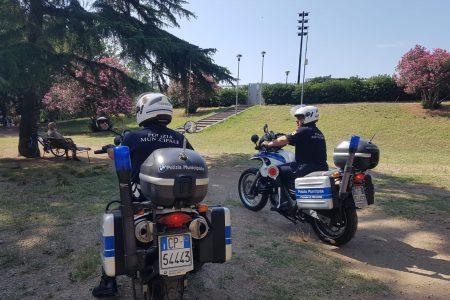 Polizia Municipale – Sorvegliata speciale la Villa Dante. Intensificati i controlli con la sezione Motociclisti