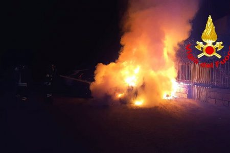 Milazzo: in fiamme l'auto di uno dei dirigenti della Liberty Lines