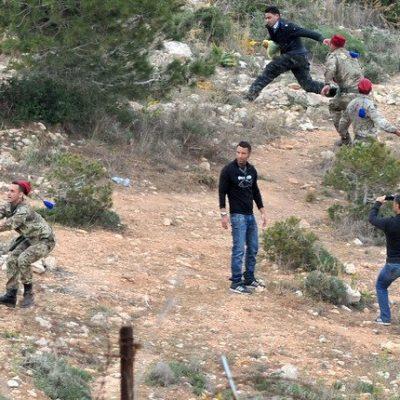 Migranti: profughi in fuga da centro di prima accoglienza, 3 carabinieri feriti
