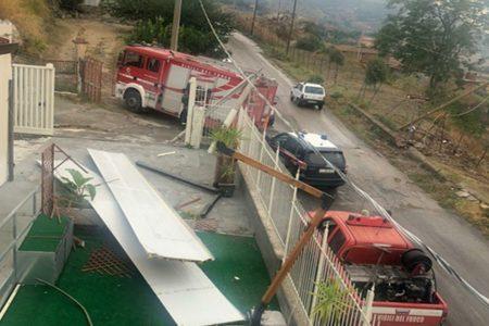 Bomba acqua nel Catanese, tromba d'aria scoperchia casa riposo, anziani messi in salvo