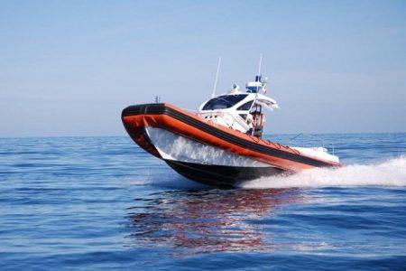 SCILLA – La Guardia Costiera salva 7 diportisti da incendio in imbarcazione