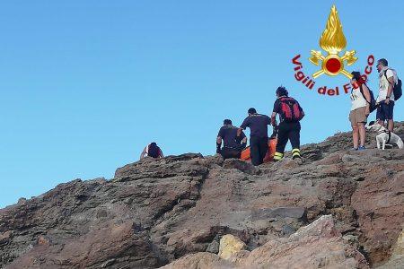Eolie – Vulcano, soccorso un escursionista dai Vigili del Fuoco