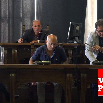 VIDEO – Vara 2020 – Fuoco e fiamme in Commissione Cultura tra Riccobono e l'assessore Minutoli.